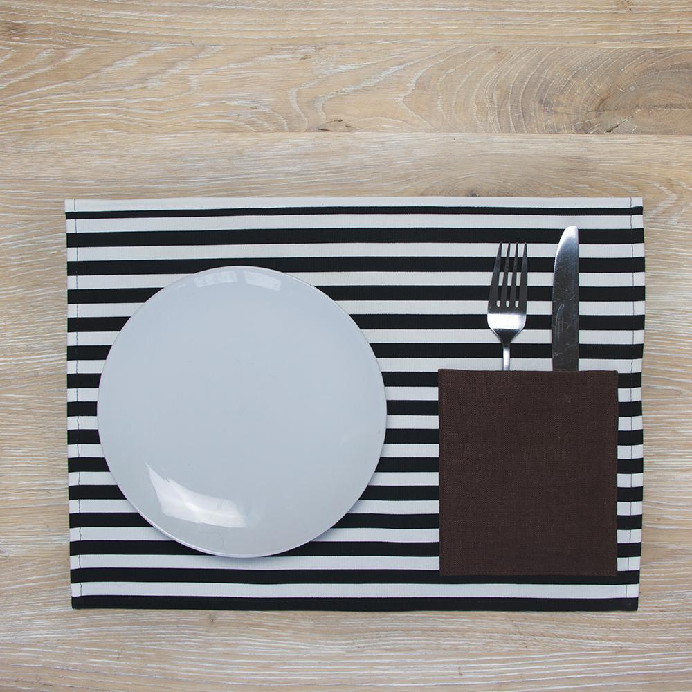 Juostuotas stalo padėkliukas