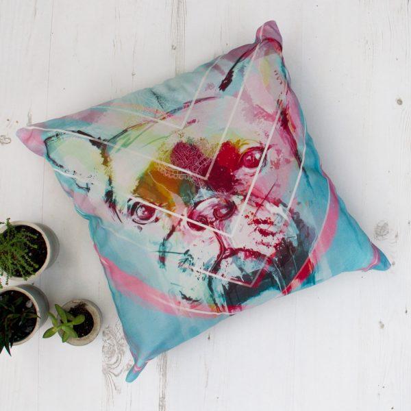 Žaliai marga dekoratyvinė pagalvėlė