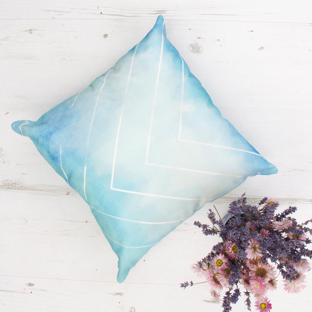 Mėlynai marga dekoratyvinė pagalvėlė