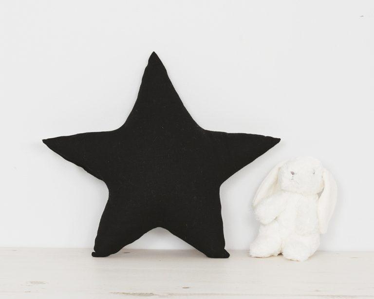 Pagalvė juoda žvaigždutė