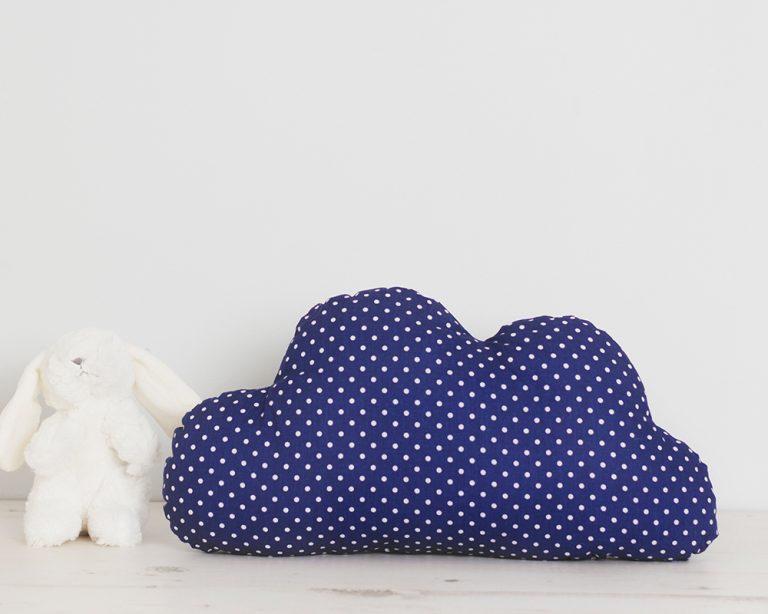 Pagalvė mėlynas debesėlis su taškučiais