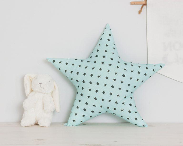 Pagalvė žalia žvaigždutė
